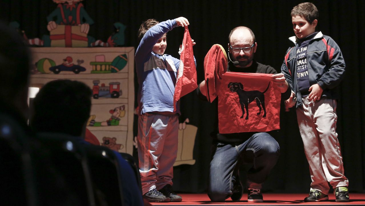 Actuación del mago Roberto Lolo en el 2016, dentro de las actividades de Nadal del Concello de Sarria