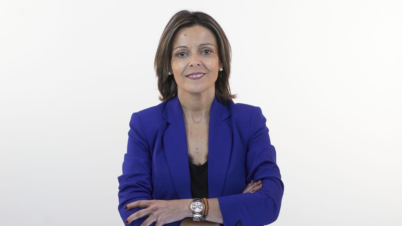 Noelia Pérez López, número 6 del PP por Ourense. Ourense, 1979. Licenciada en Trabajo Social por la Universidad de Vigo. Funcionaria del gobierno local. Ocupó el cargo de concejal del Partido Popular en la corporación municipal de Ourense (2010-2011).