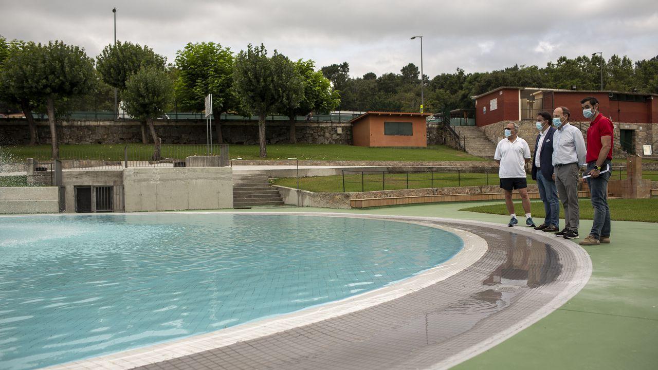 Mitin de Pedro Sánchez en Ourense.El gobierno municipal supervisó los preparativos en las piscinas de Oira