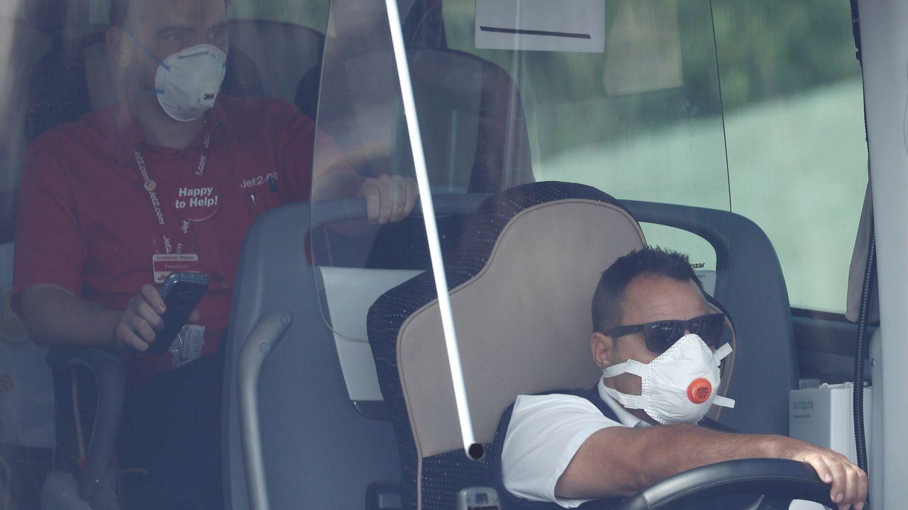 Este lunes otros 148 huéspedes que estaban en cuarentena en el hotel de Adeje, en Tenerife, han abandonado las instalaciones