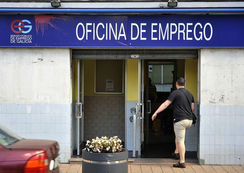 La oficina principal del antiguo Inem en la comarca está en la avenida de Vigo.