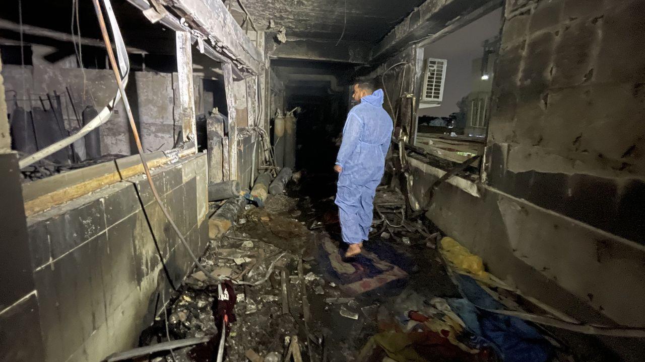 Estado en el que quedó el interior del Hospital Ibn Al-Khatib, al sur de Bagdad
