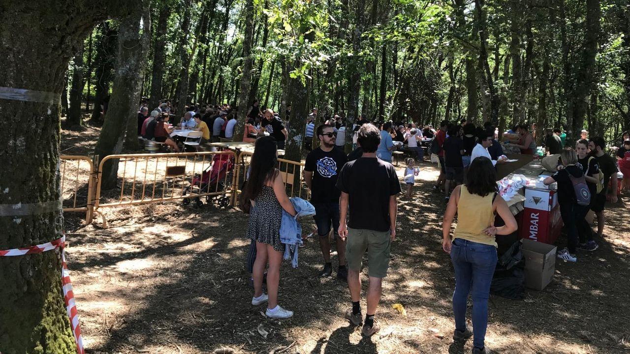 El buen tiempo favoreció la comida popular al aire libre que formaba parte del programa del festival
