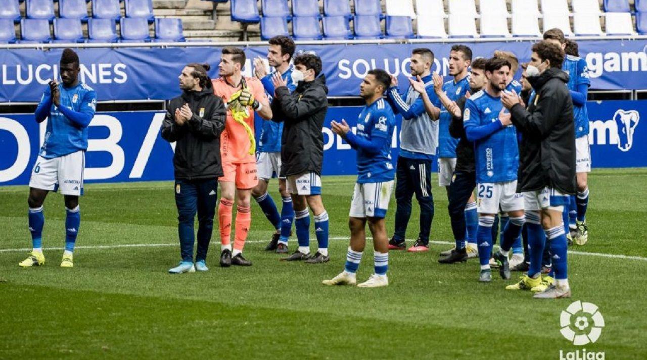 Gol Borja Sanchez Mariño Sporting Real Oviedo El Molinon.Los jugadores del Oviedo, tras la derrota en el Tartiere ante el Albacete