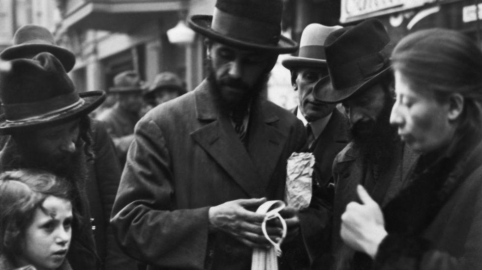 Judíos comerciando en Grenadier Strasse en el Berlín de 1932
