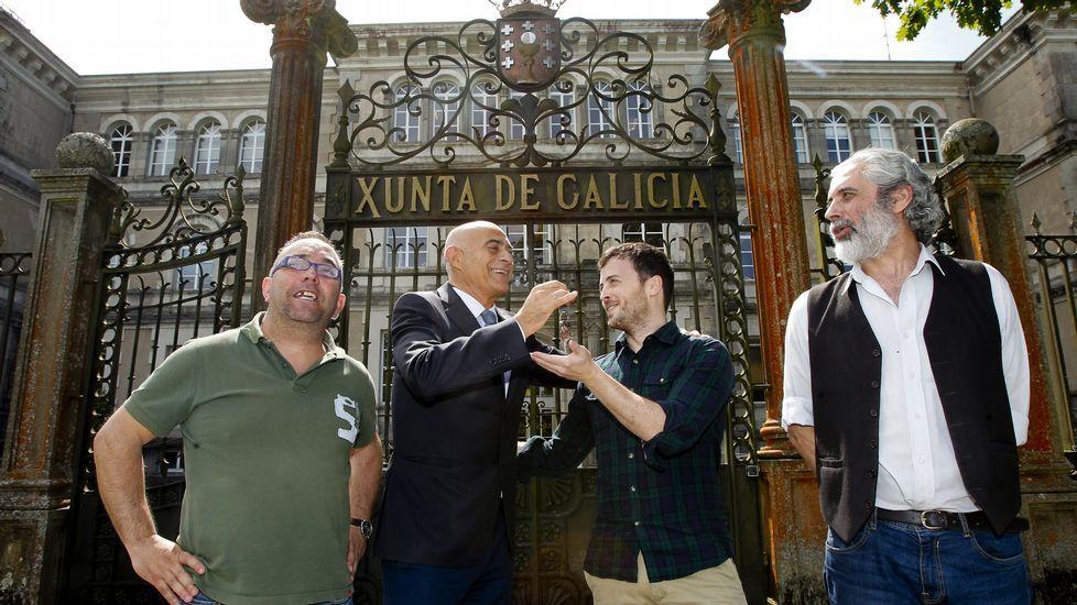 De derecha a izquierda, Silvino Penido, José Antonio González, Pablo Leis y Manuel Mallo, en la puerta de San Caetano