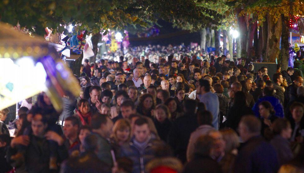 El ferial del San Froilán se llenó completamente por la tarde y noche de ayer, algo poco usual en las patronales de este año.