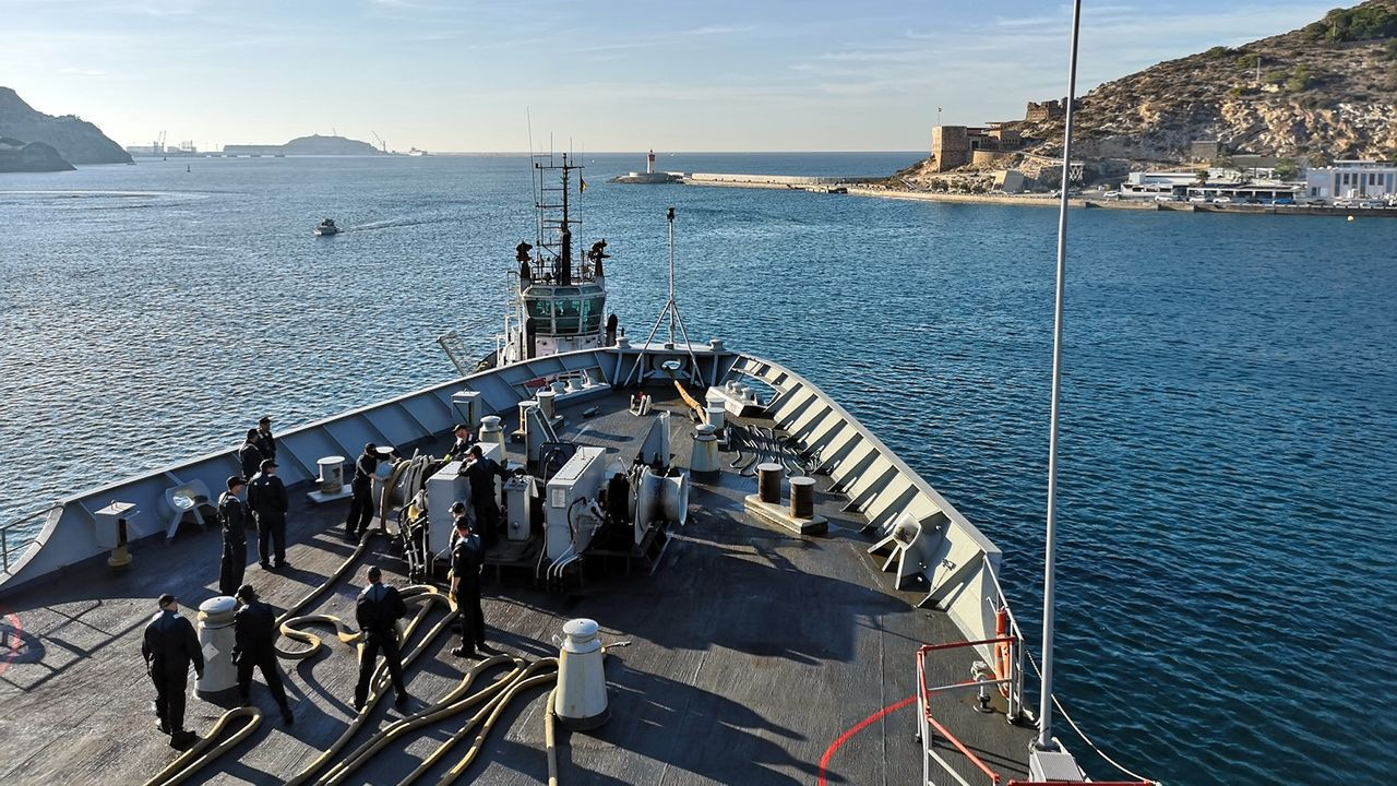 Salida a la mar de la flota desde el puerto de Cartagena