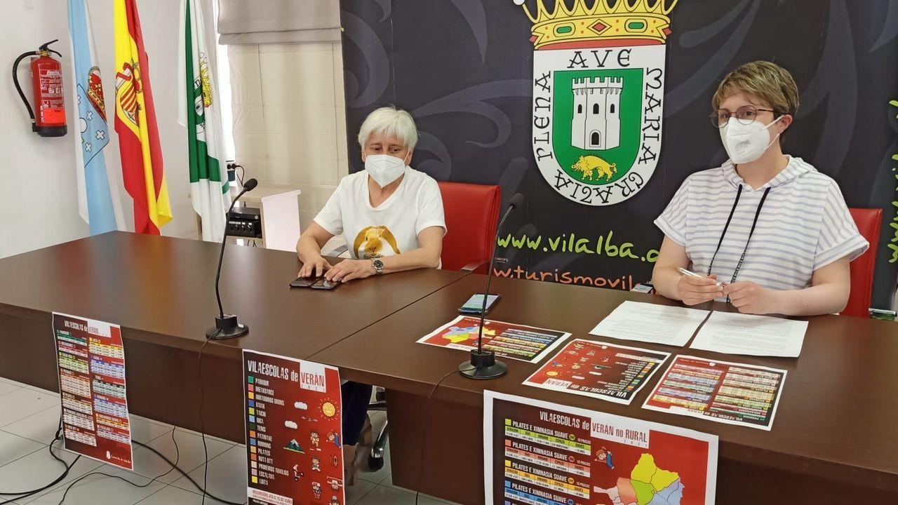 Elba Veleiro y Antía Rama, de izquierda a derecha, presentaron las jornadas