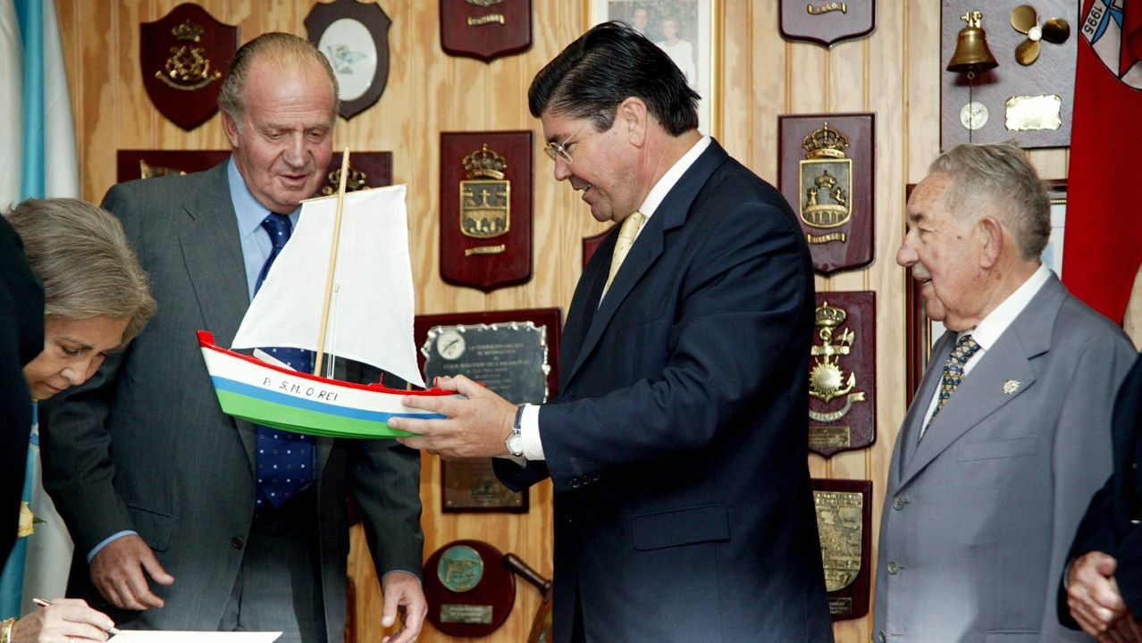 El rey emérito visitó Camariñas en 2003