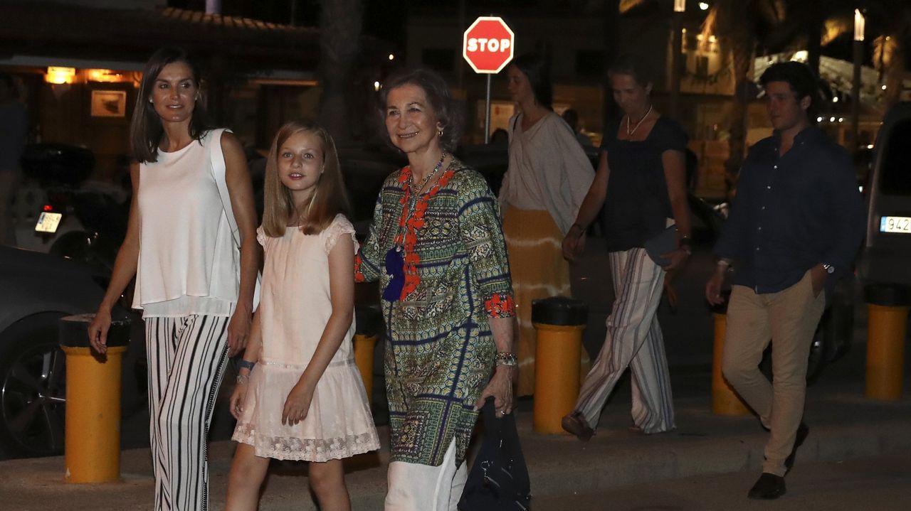 Las reinas Letizia y Sofía en Mallorca junto a la Infanta Sofía
