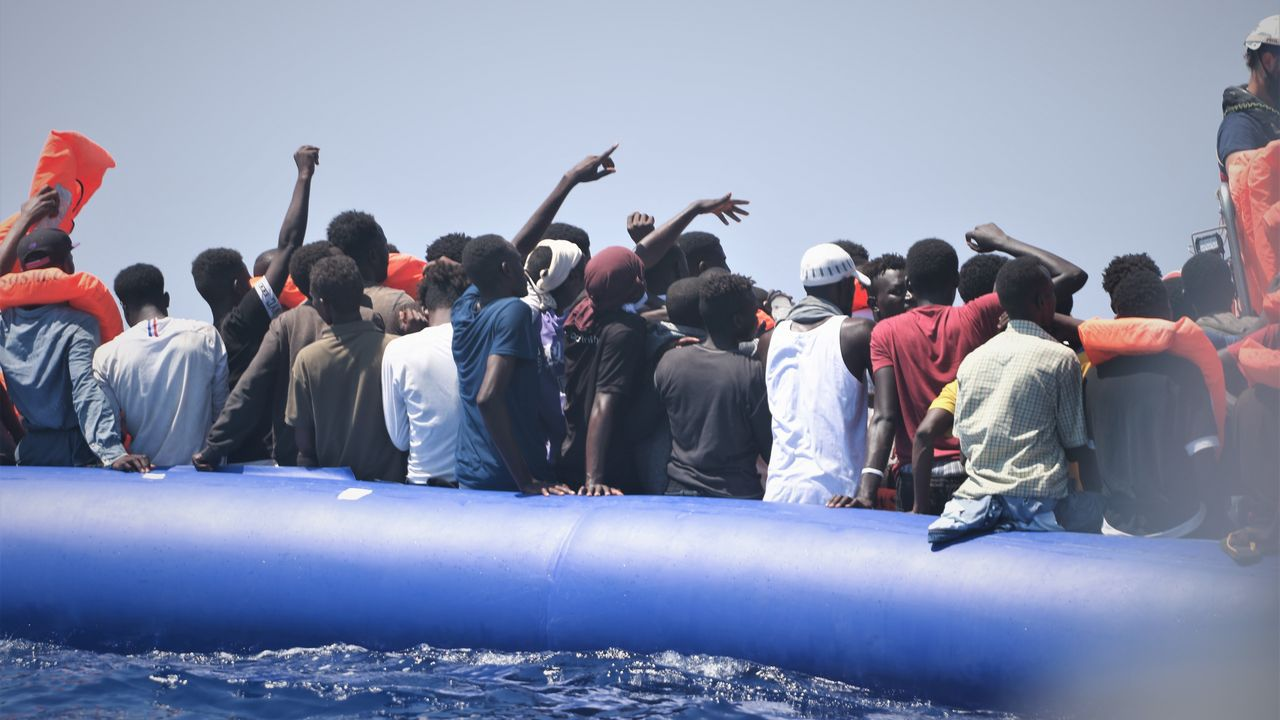 La pandemia en el mundo, en imágenes.Integrantes del Ocean Viking