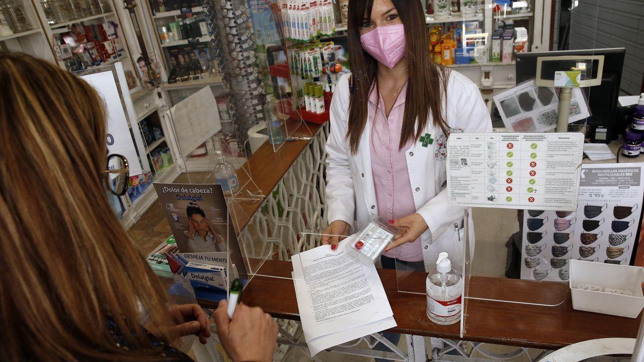 Las muestras se pueden retirar en medio centenar de farmacias de Barbanza