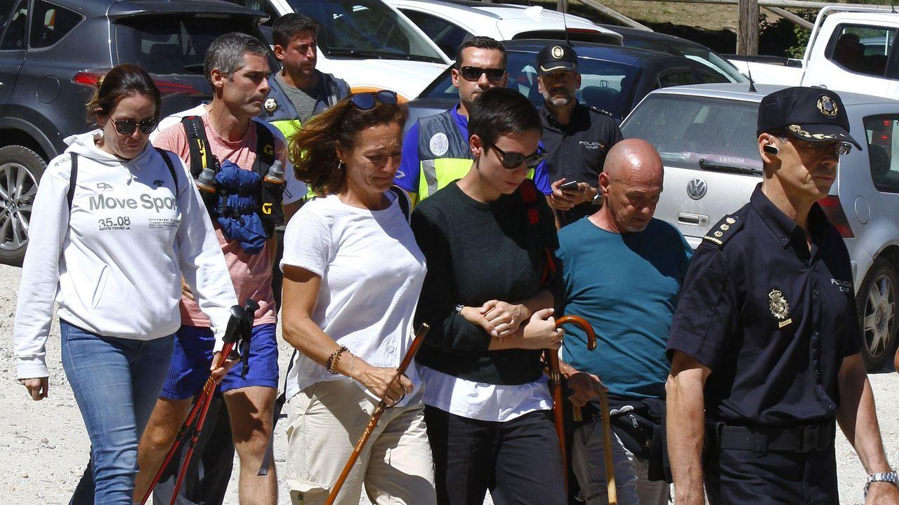 La familia de Blanca Fernández Ochoa, durante el operativo de búsqueda