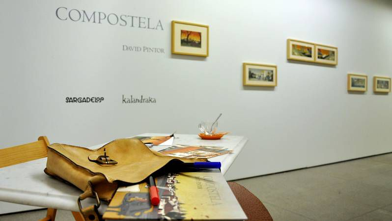 David Pintor recomienda disfrutar «Compostela» en la cafetería preferida de cada uno.