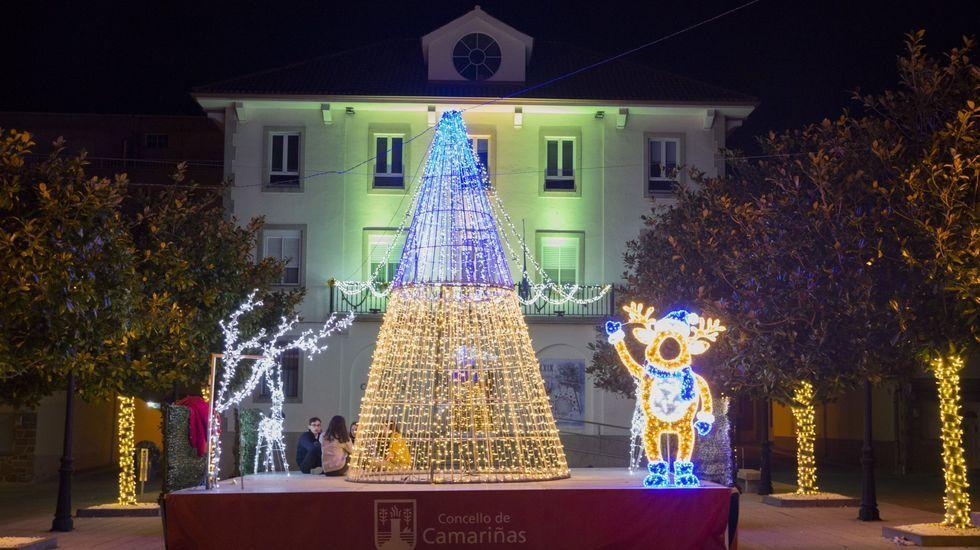 Iluminación navideña en Camariñas, el pasado 2019