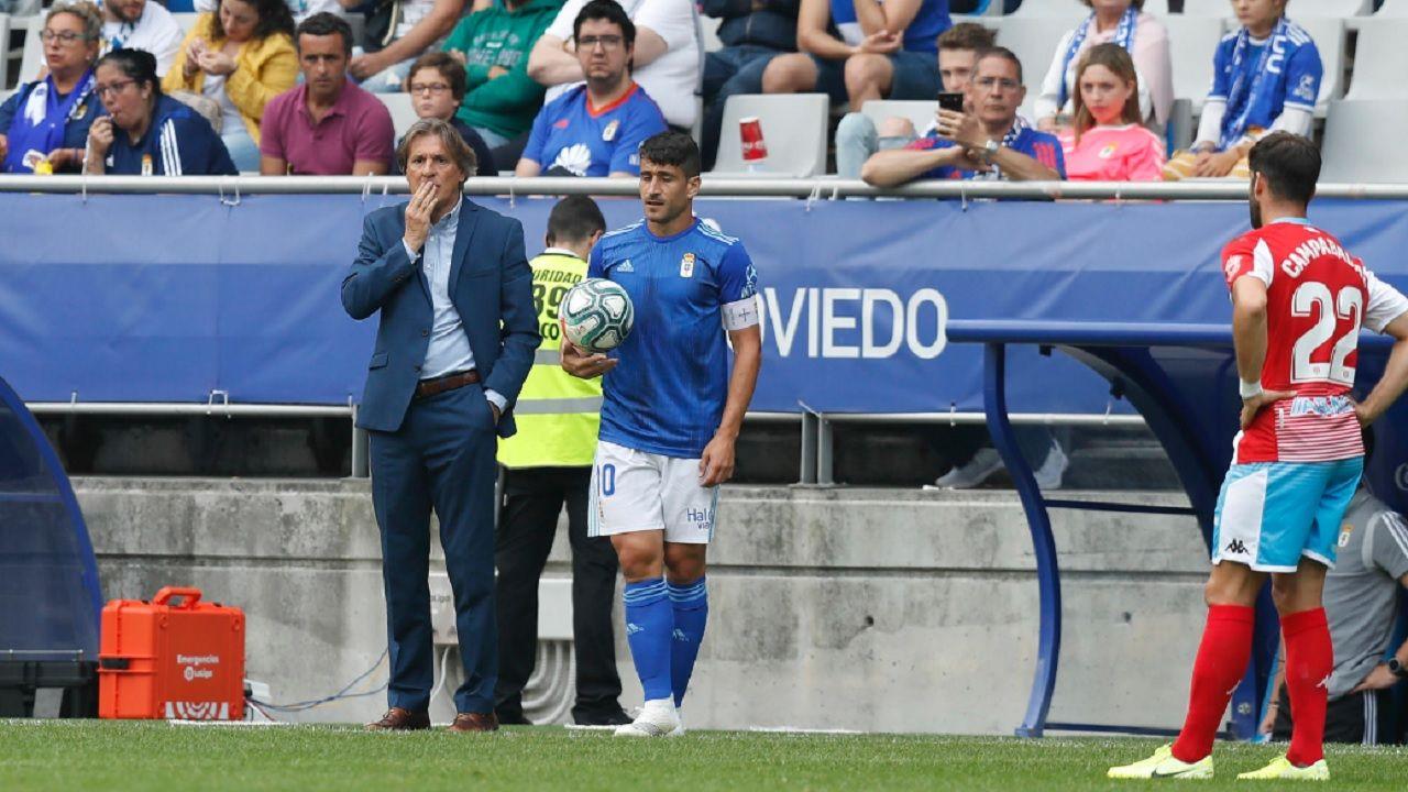 Egea Saul Berjon Campabadal Real Oviedo Lugo Carlos Tartiere.Egea y Saúl Berjón, durante el encuentro ante el Lugo