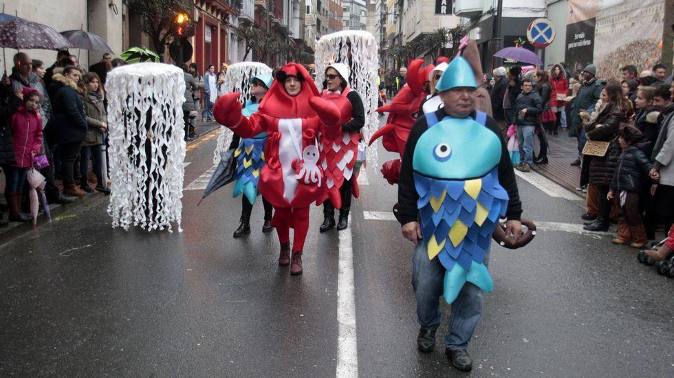 Desfile de comparsas de carnaval en Monforte