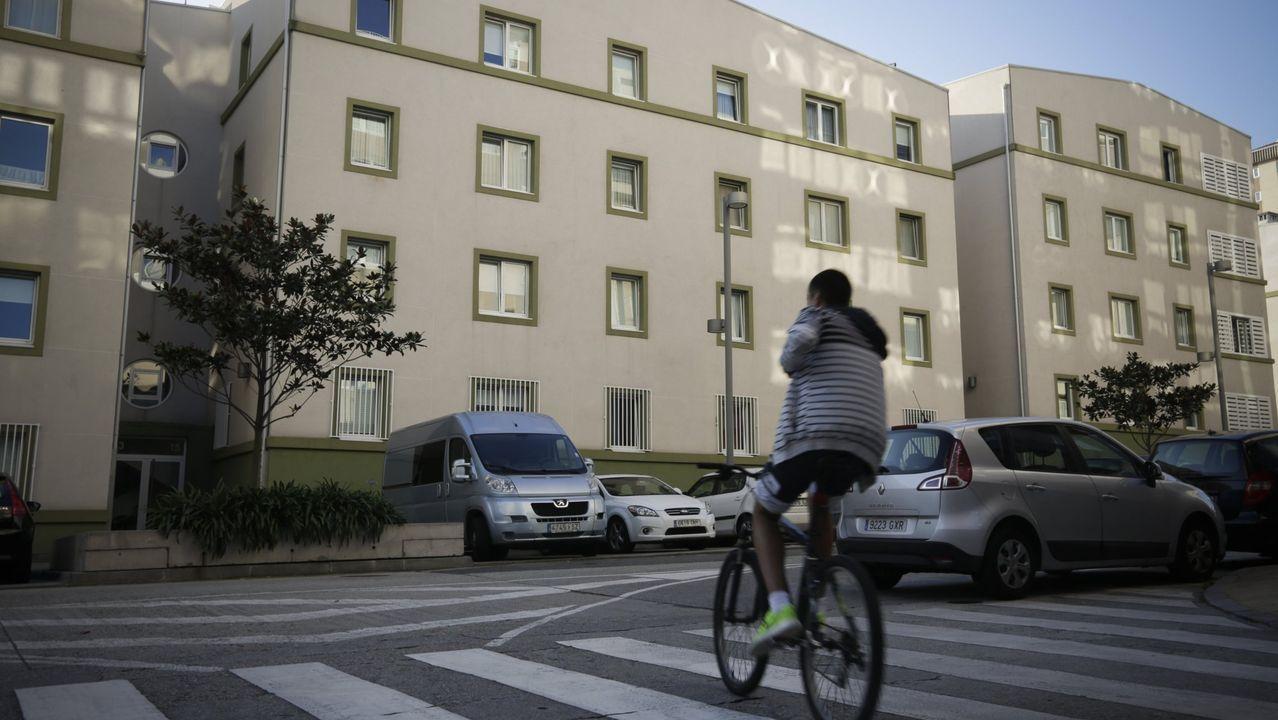 «Antes había uno o dos pisos okupados; ahora hasta arriba».Imagen de archivo de la vivienda municipal propiedad del Ayuntamiento en la calle Colombia