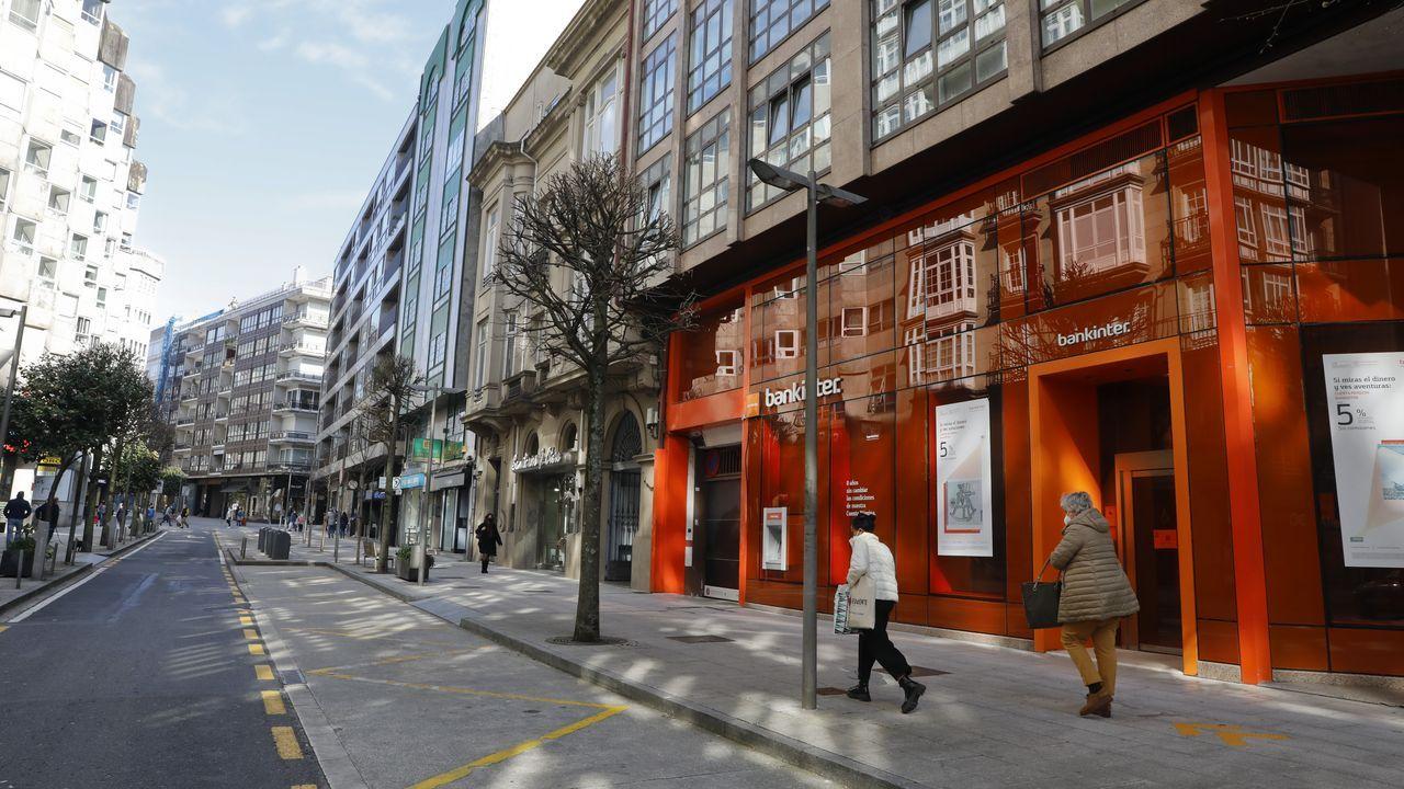 La hostelería de Santiago recupera horarios y aforos.Las inmobiliarias piden incentivar el alquiler con bonificaciones del Concello