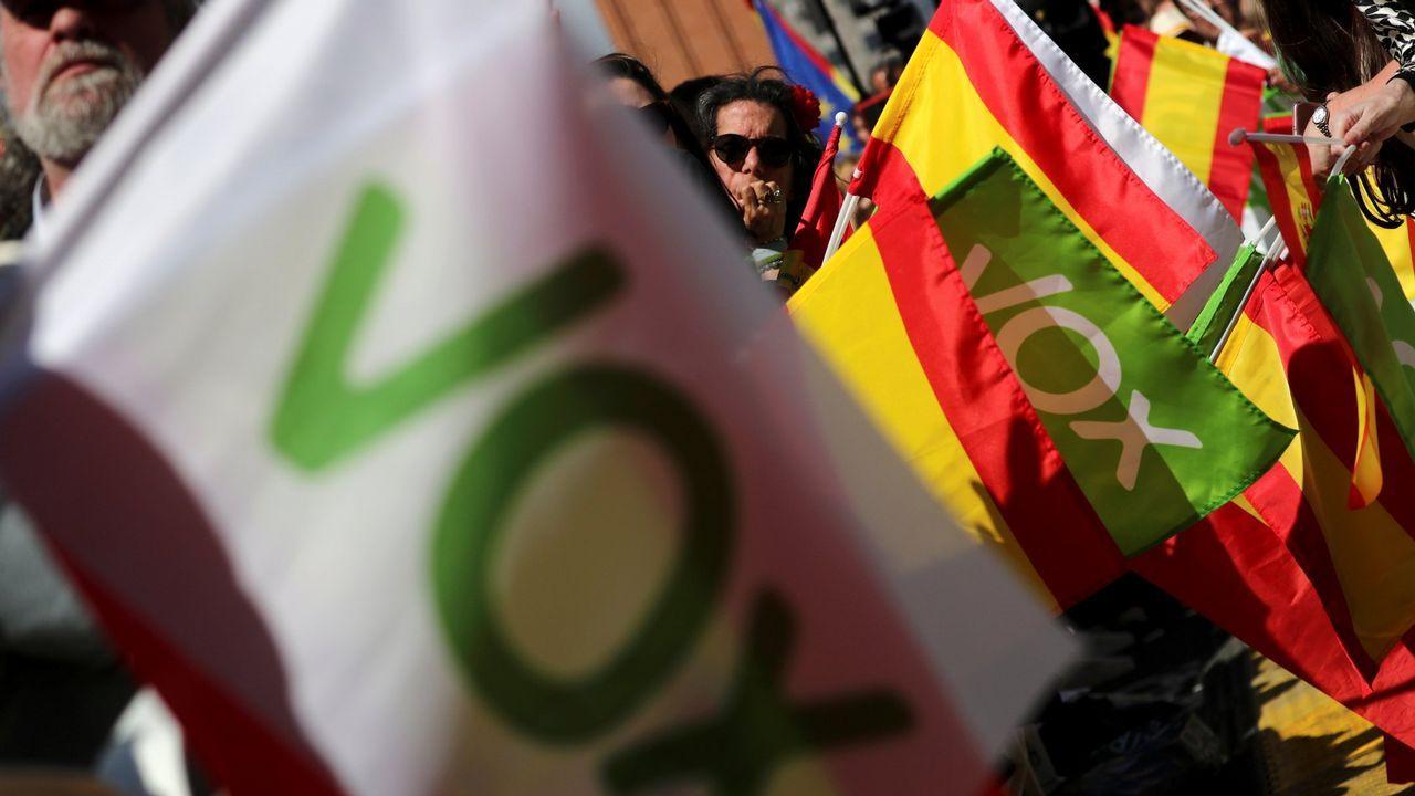 Acto de Pablo Iglesias en Gijón.Íñigo Errejón, hoy, durante la rueda de prensa en la que anunció que deja el escaño de Podemos en el Congreso