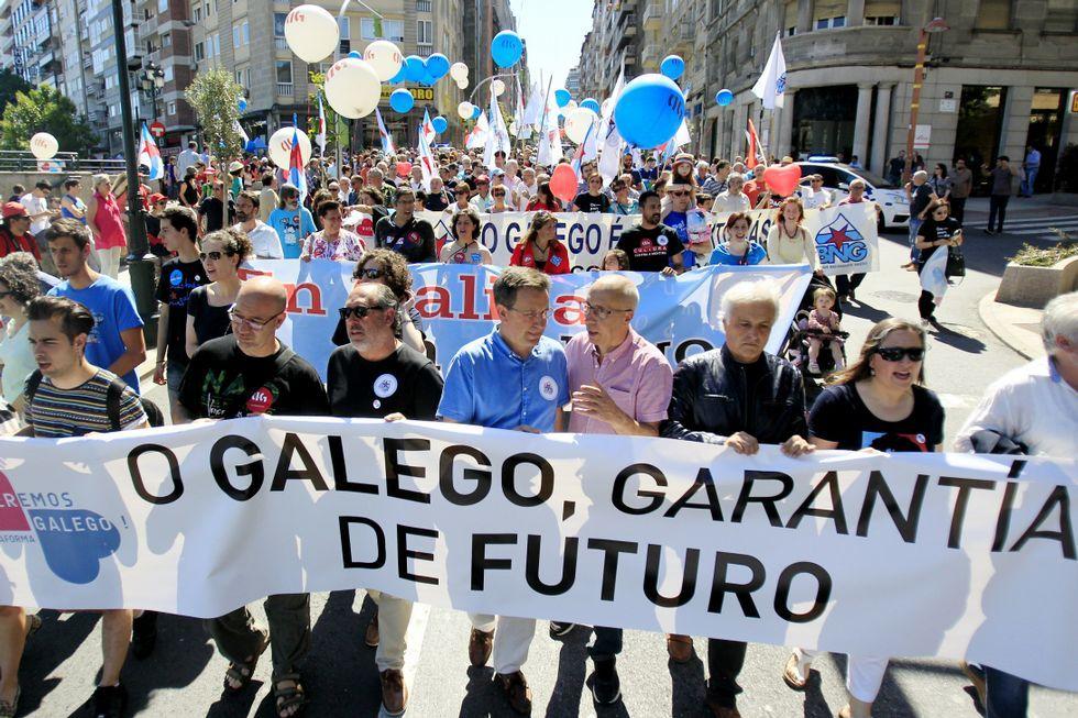 A manifestación partiu da Vía Norte con Urzáiz.