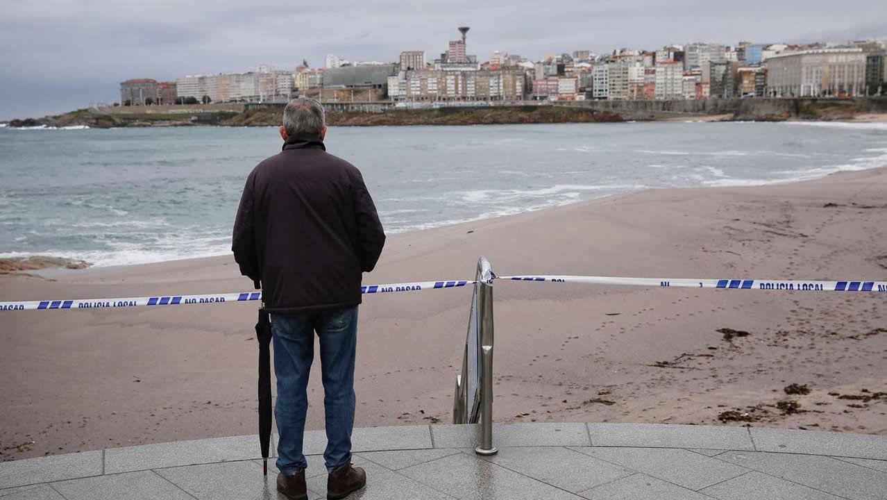 Precintan el paseo marítimo de A Coruña ante la alerta porla borrasca Beatriz