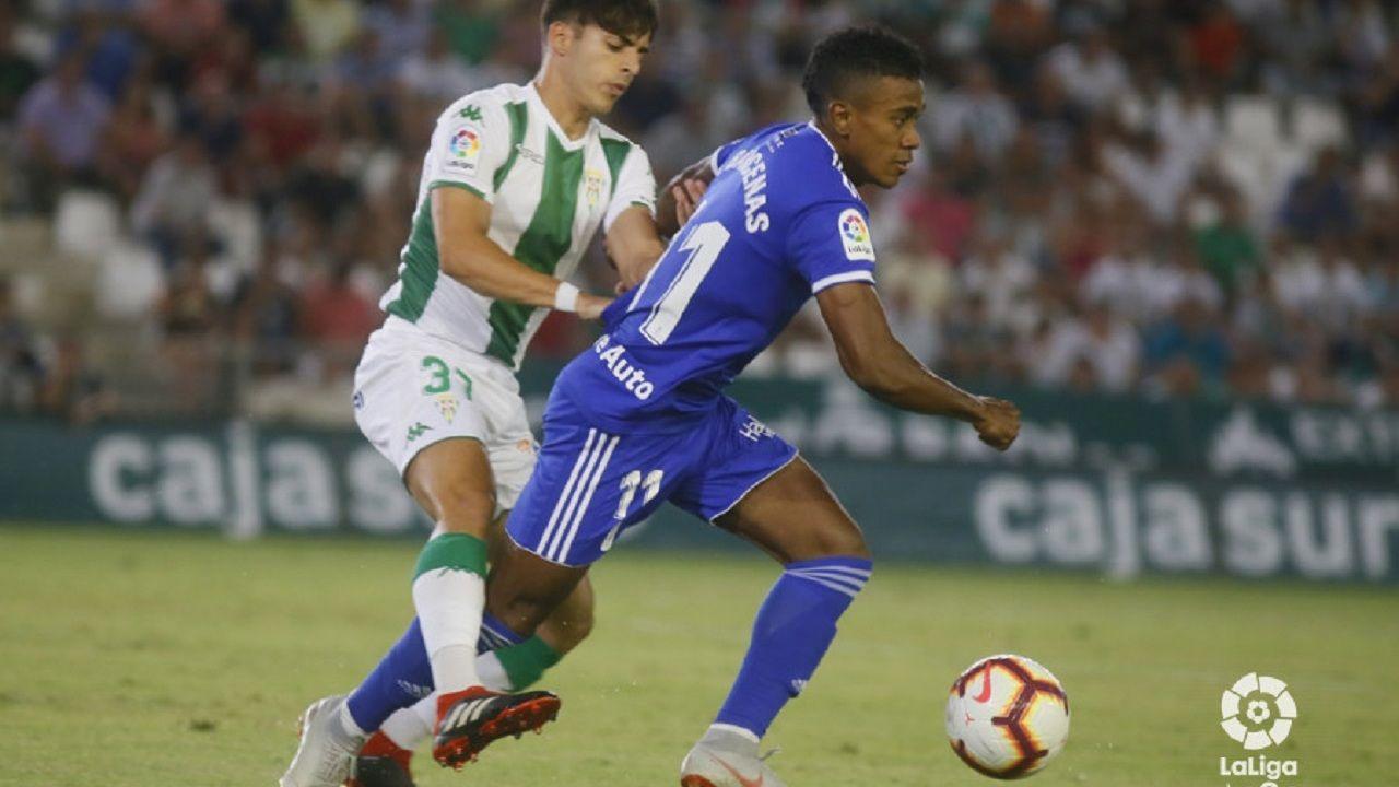 Gol Ibra Real Oviedo Sporting derbi Carlos Tartiere.Yoel Bárcenas en un instante del partido contra el Córdoba