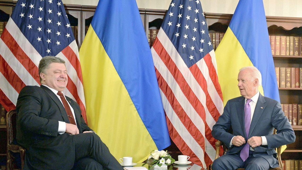 Los disturbios raciales de Mineápolis se extienden a otras ciudades de EE.UU..Poroshenko y Biden, durante un encuentro en el 2015
