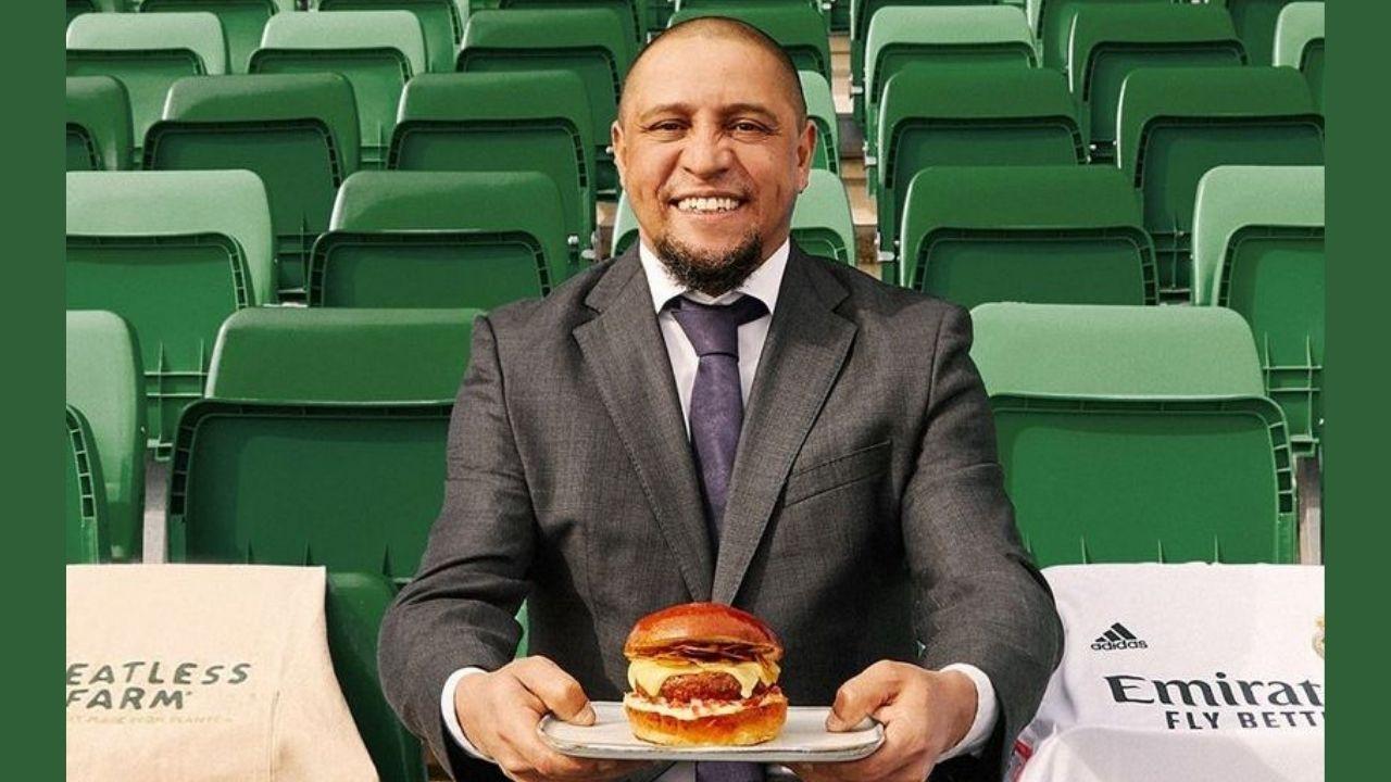 Nuevos enfrentamientos en Jerusalén.El exjugador del Real Madrid Roberto Carlos con una hamburguesa vegana