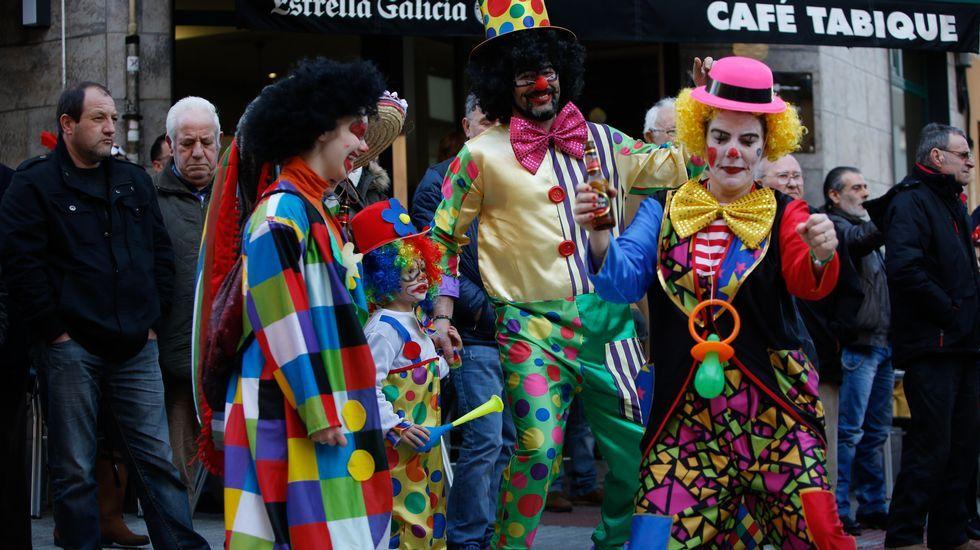 Fiesta choqueira en calle de A Torre