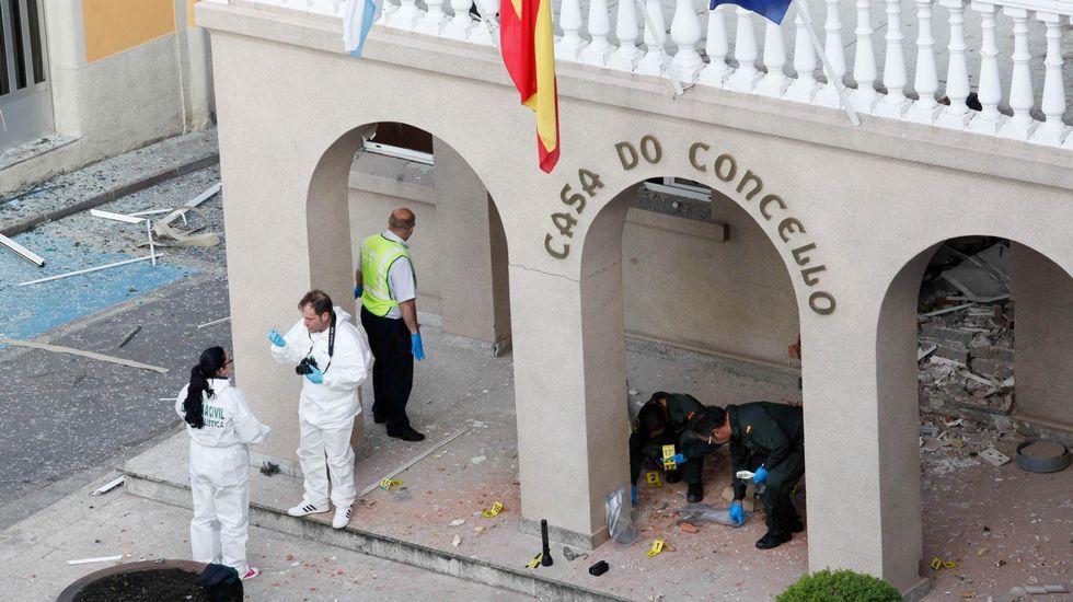La condenada por lanzamiento de cócteles molotov contra el Club Financiero culpa a la crisis.Atentado en Baralla  el pasado 2014