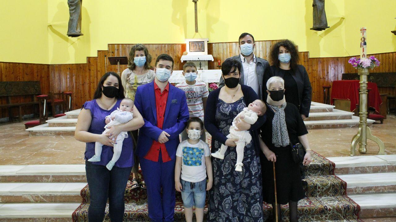 Álex y Xosé se bautizaron el sábado acompañados de sus familiares más cercanos