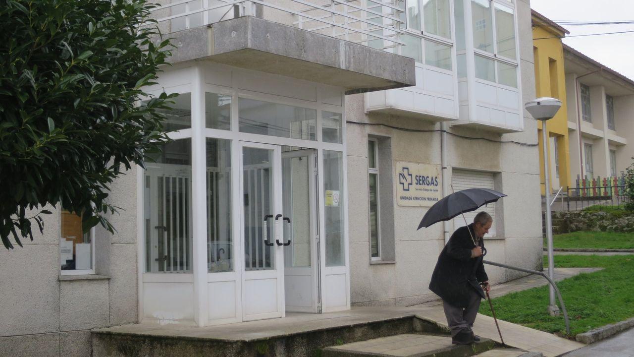 La asociación pide que el ambulatorio sea transformado en un centro de día una vez que entre en funcionamiento el nuevo centro de salud del municipio