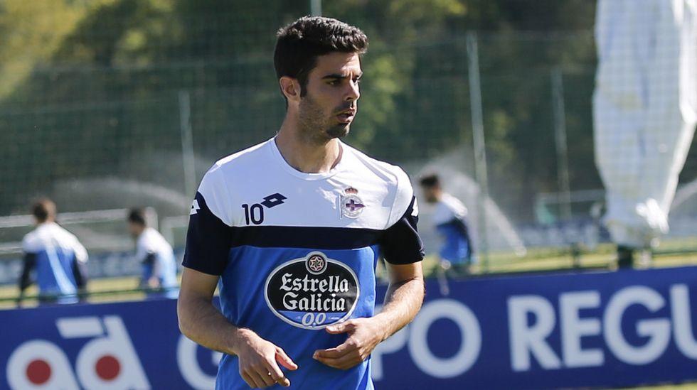 Juan Domínguez   Al naronés le queda una temporada de contrato en el Deportivo tras su cesión al Mallorca