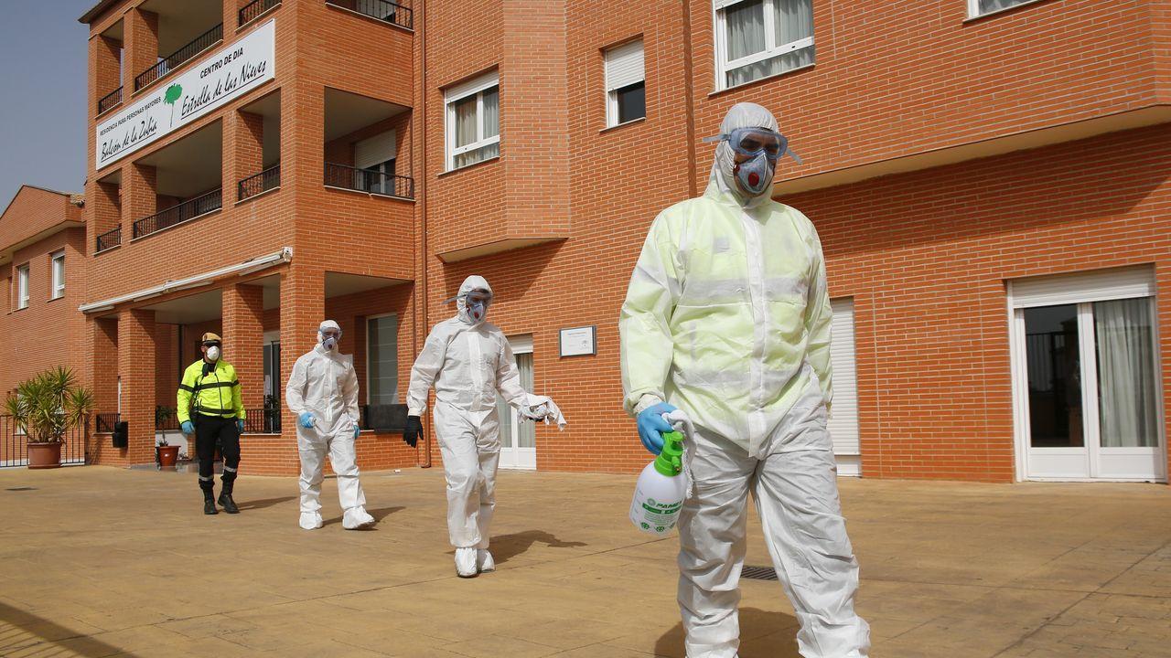 Sanitarios vascos homenajean a Laura, la compañera de la Clínica Zorrotzaurre fallecida por coronavirus