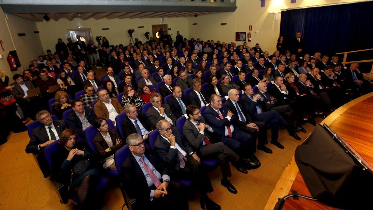 Ría del Eo.Más de 170 invitados acudieron al encuentro en la Casa de la Cultura de Vegadeo