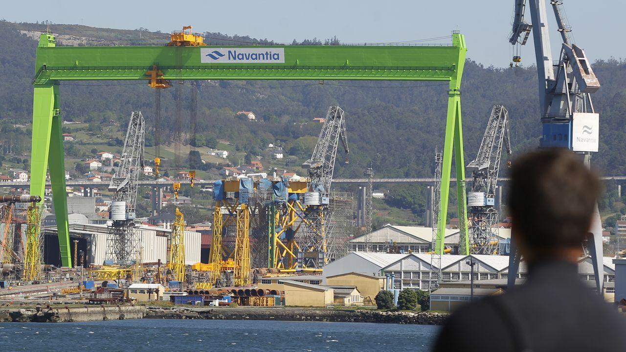 Desarticulada en Oviedo y Gijón una gran red china que producía marihuana en naves industriales.Construcciones para Ibedrola en Navantia Fene, bajo la grúa pórtico.