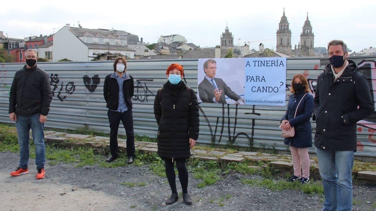 Los nacionalista echaron mano de la pancarta, como el martes hizo el PP