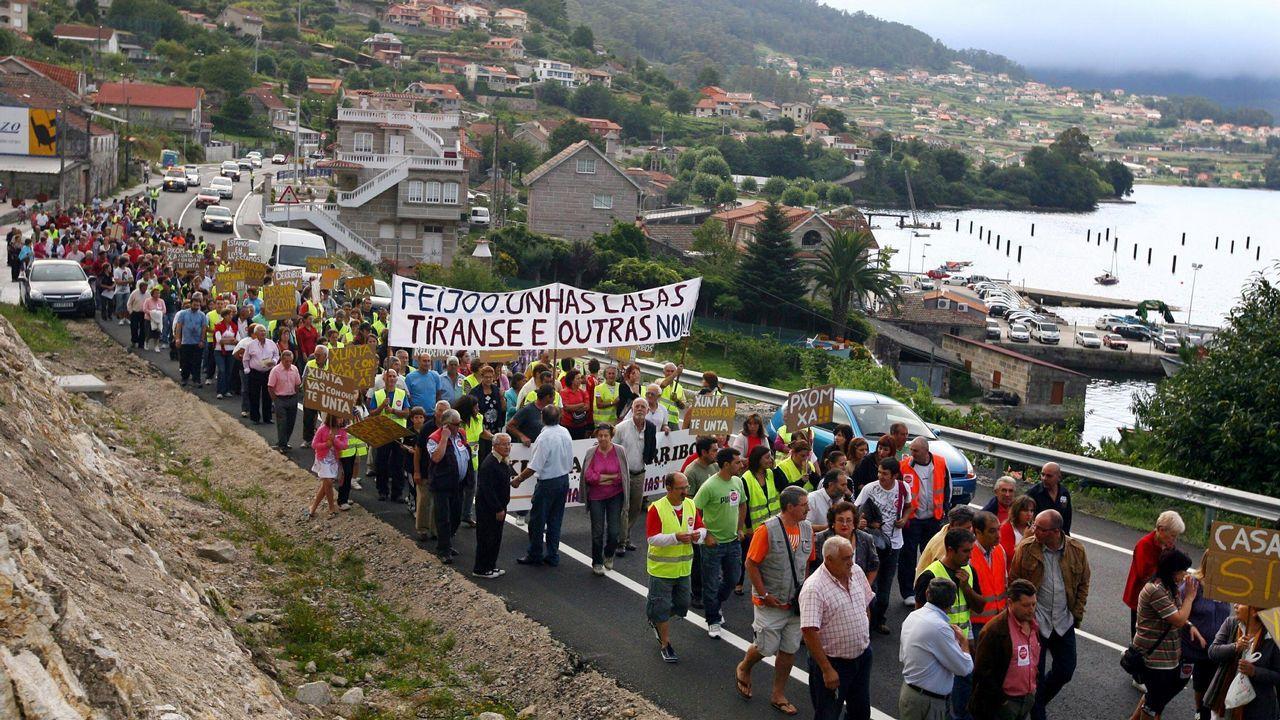 Concentración en Domaio contra las obras en Rande
