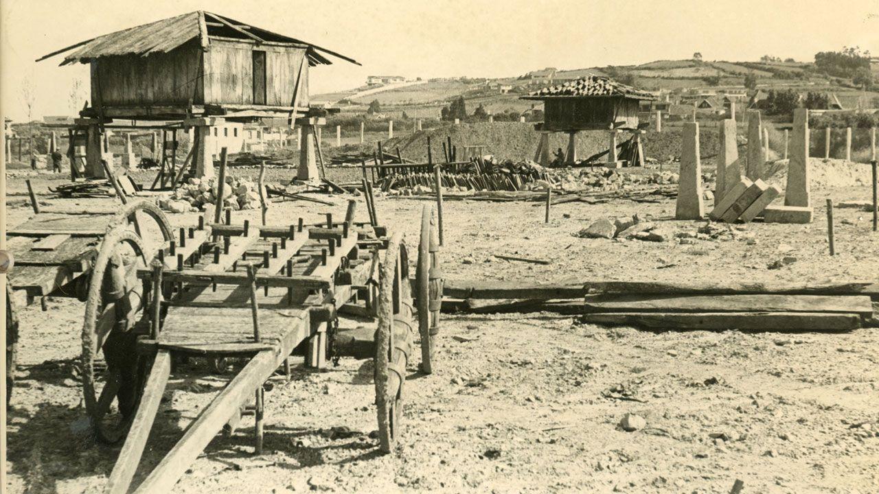 Terrenos del Pueblo de Asturias, durante su construcción