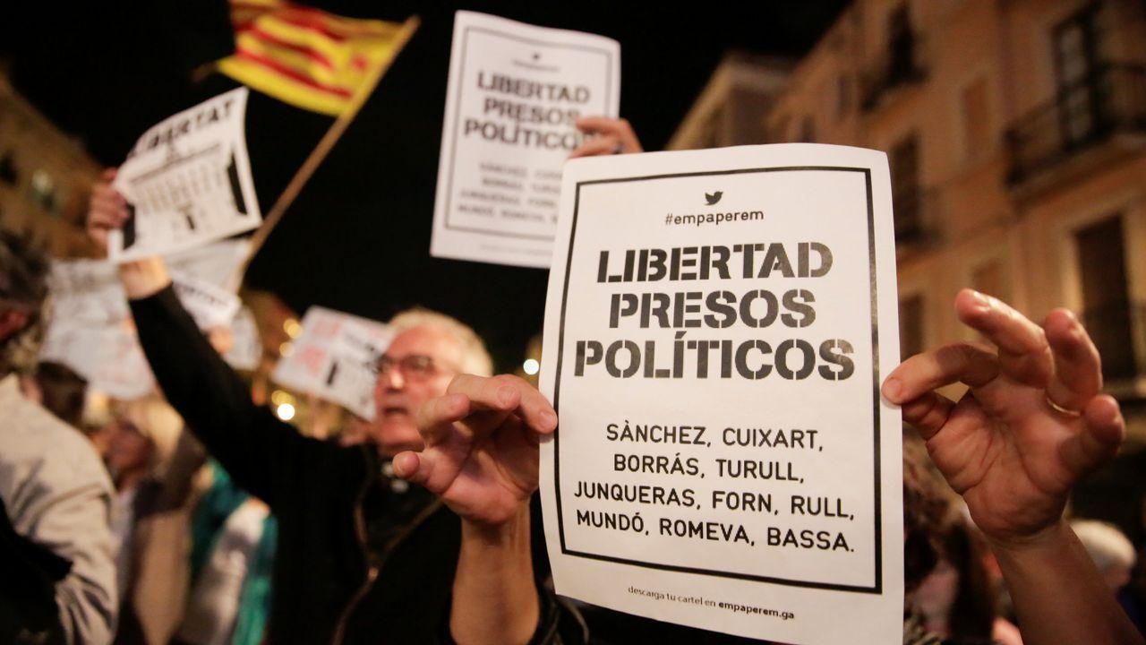 La gente tambien se concentró en Tarragona para protestar.