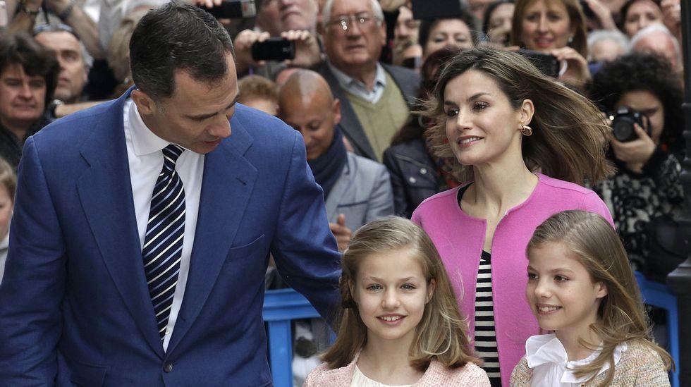 A su llegada a la catedral de Palma, para asistir a la misa de Pascua en marzo.