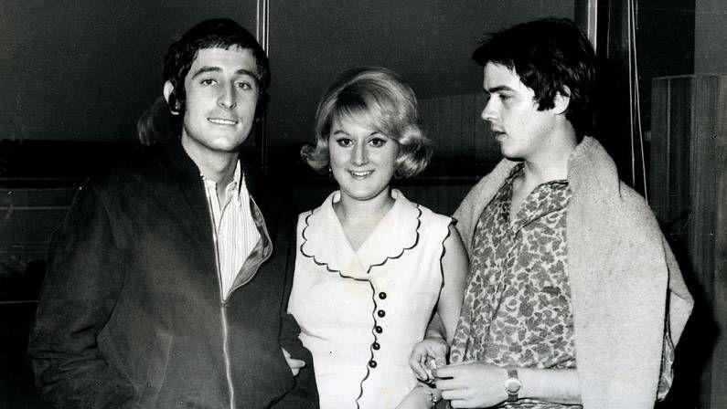 Juan Pardo, junto a la presentadora de televisión, Marisa Medina, y Antonio Morales «Junior».