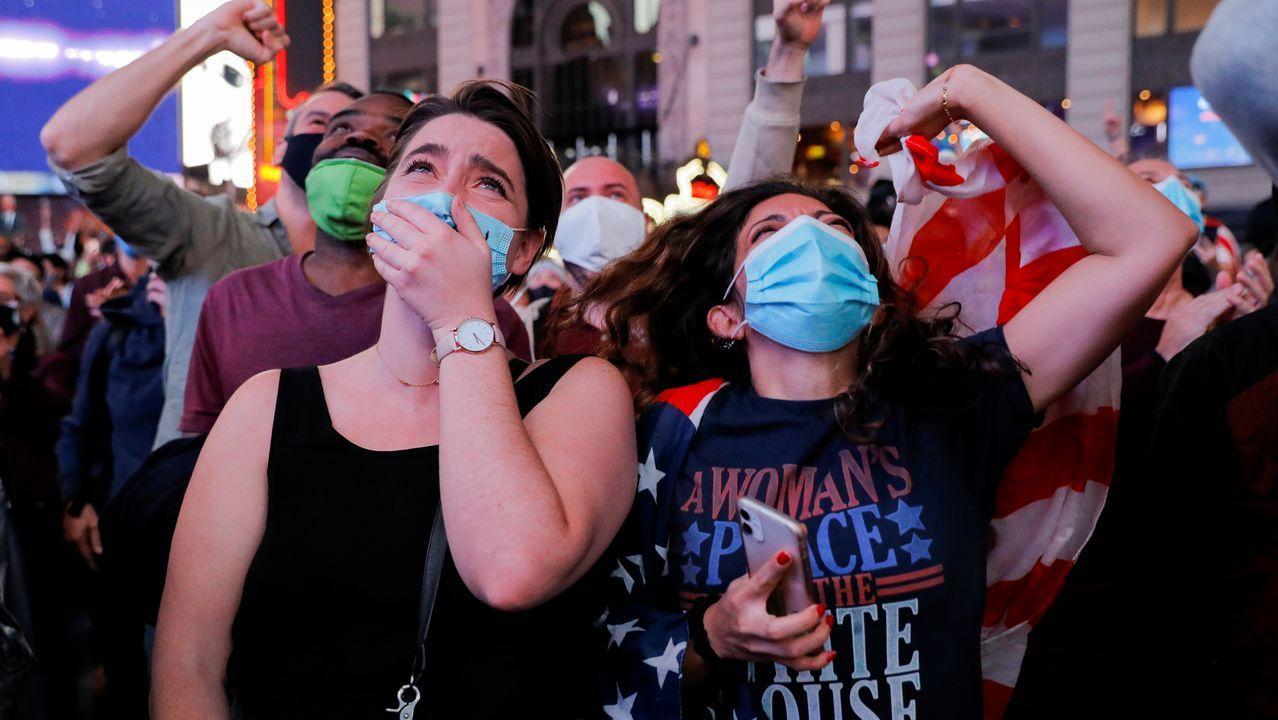 Seguidores de Biden, durante la celebración del triunfo en Time Square (Nueva York)