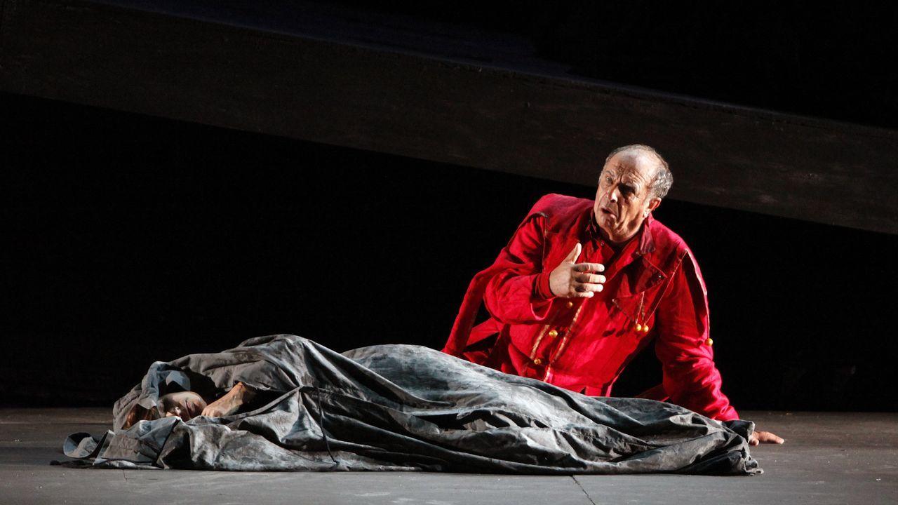 Leo Nucci, en la ópera «Rigoletto» que cantó en A Coruña en el 2011