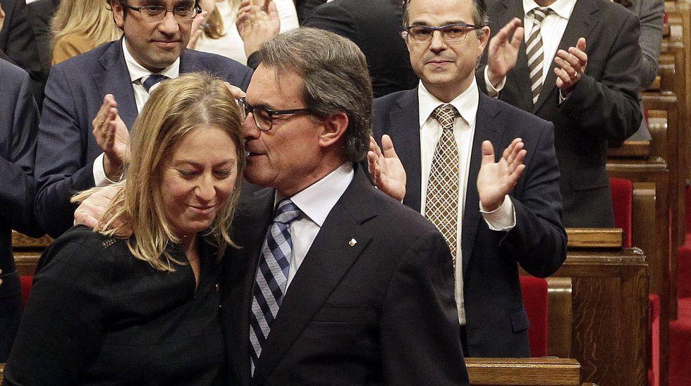 El presidente catalán en funciones, Artur Mas, junto a su vicepresidenta, Neus Munté