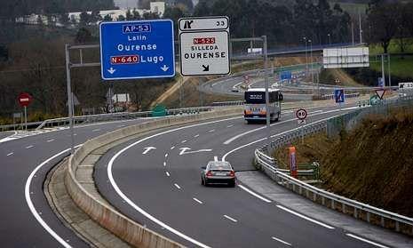 Hubo unanimidad de los grupos para reclamar el traspaso a la Xunta del vial, y rebajar el peaje.