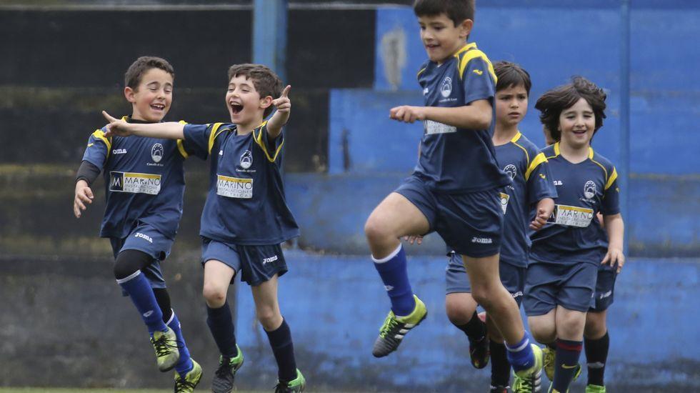 Costa Bergantiñá hace del fútbol base una fiesta