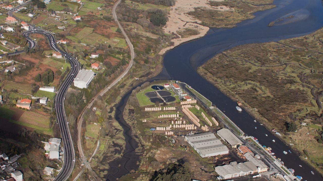 Desprendimientos en un lateral del estanque de la Gruta en el 2017 aceleraron el proyecto de rehabilitación del parque